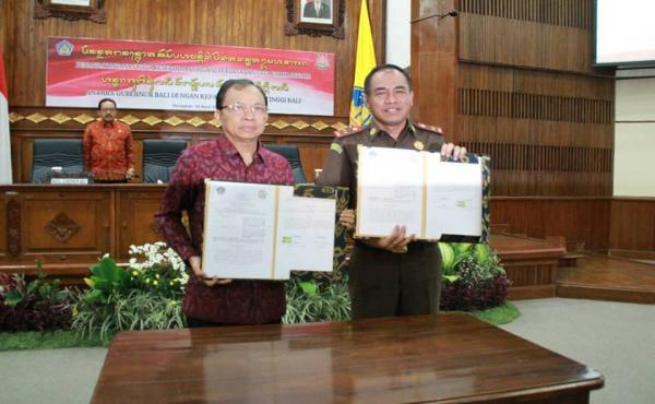 Kegiatan Penandatanganan Nota Kesepahaman ( MOU) Kejaksaan Tinggi Bali dengan Pemprov Bali
