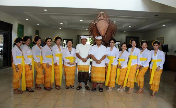 Rangkaian Upacara Piodalan Pura Wira Adhyaksa Kejaksaan Tinggi Bali
