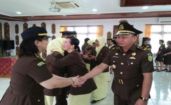 Serah Terima Jabatan Kepala Kejaksaan Negeri Denpasar, Asisten Pembinaan, dan Koordinator Kejati Bal