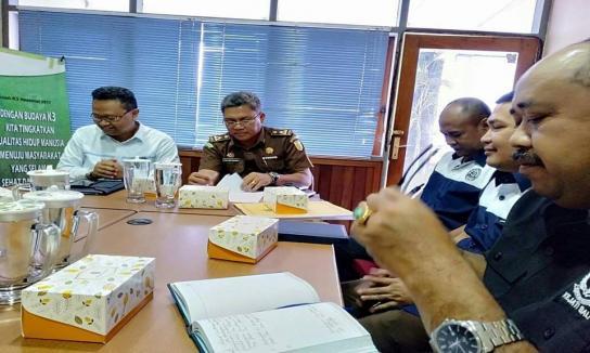 Rapat TP4D Kejati Bali Dalam Rangka Pembahasan Progres Pekerjaan Saluran Kabel Tegangan Tinggi.