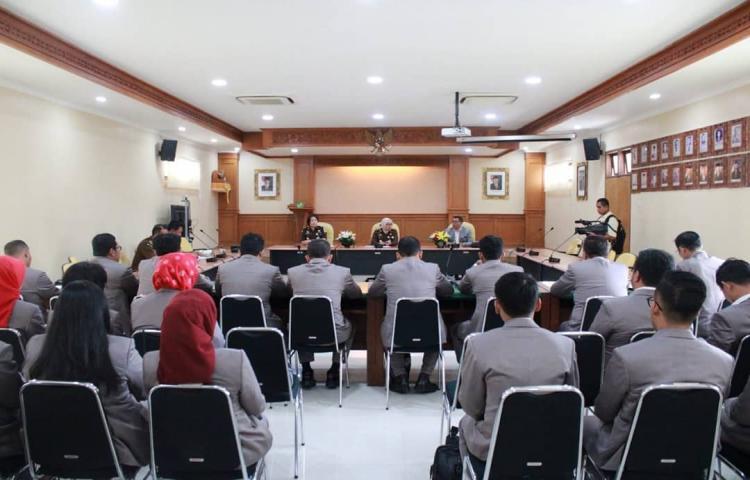 Acara Kunjungan Studi Lapangan Pasca Sarjana Universitas Bandar Lampung di Kejati Bali