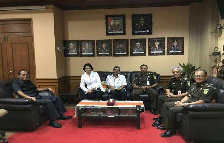 Kunjungan Kepala Balai Besar Pengawas Obat dan Makanan (BBPOM) Denpasar Dra. I Gusti Ayu Adhi Aryapathi, Apt