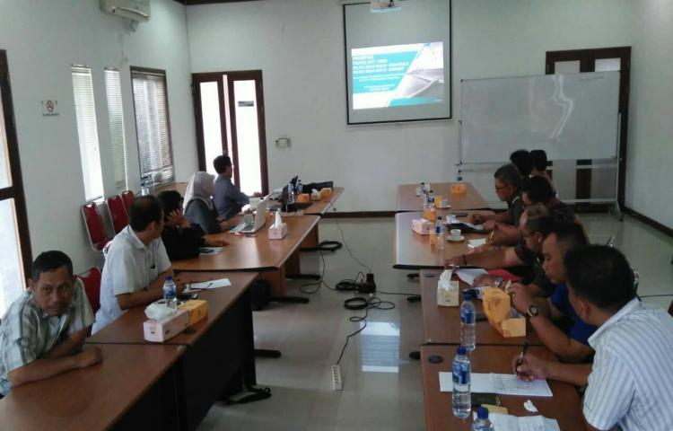 Paparan  PT. PLN (Persero) Unit Induk Pembangunan Jawa Bagian Timur dan Bali I kepada TP4D Bali
