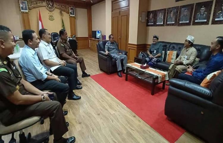 Silaturahmi Pejabat Baru GM Angkasa Pura I Cabang I Gusti Ngurah Rai Denpasar ke Kejati Bali