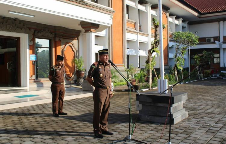 Apel Kerja Gabungan di awal Juni setelah libur Hari Raya Idul Fitri yang dihadiri oleh seluruh pegawai Kejati Bali dan Kejari Denpasar