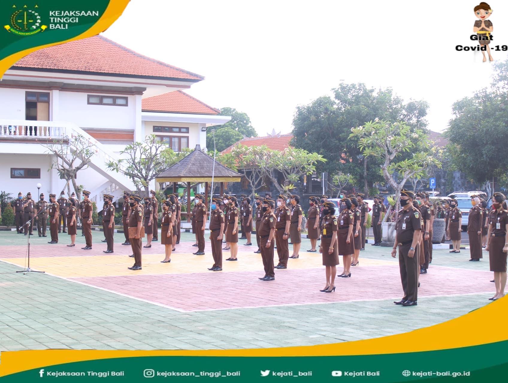 Apel Kerja, Senin, 29 Juni 2020, dilaksanakan para pegawai Kejaksaan Tinggi Bali. Sebagai pembina apel yaitu Wakil Kepala Kejaksaan Tinggi Bali, Asep Maryono, SH. M.H.