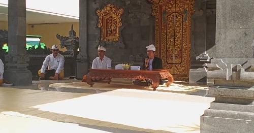 Dharma Wacana Dan Persembahyangan Bersama Purnama Kelima di Pura Wira Adhyaksa Kejati Bali
