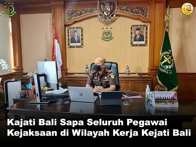Kepala Kejaksaan Tinggi Bali, Ade Sutiawarman, SH., MH memberikan arahan kepada seluruh pegawai Kejaksaan di lingkungan Kejaksaan Tinggi Bali
