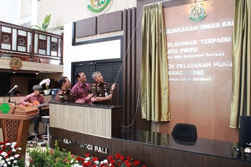 Launching Pos Pelayanan Hukum Orang Asing (Foreign Legal Service)