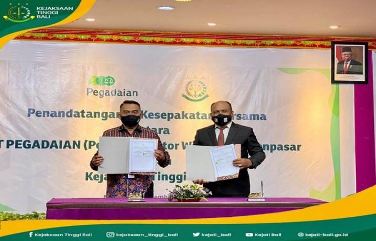 Penandatanganan Nota Kesepahaman bidang Perdata dan Tata Usaha Negara antara PT. Pegadaian (Persero) Wilayah VII Denpasar dengan Kejaksaan Tinggi Bali.