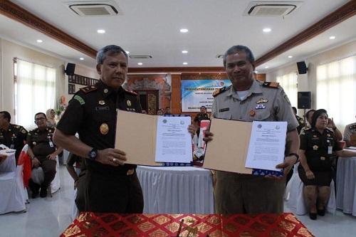 Penandatanganan Perjanjian Kerjasama antara Kepala Kejaksaan tInggi bali dengan Kepala BPN Provinsi Bali