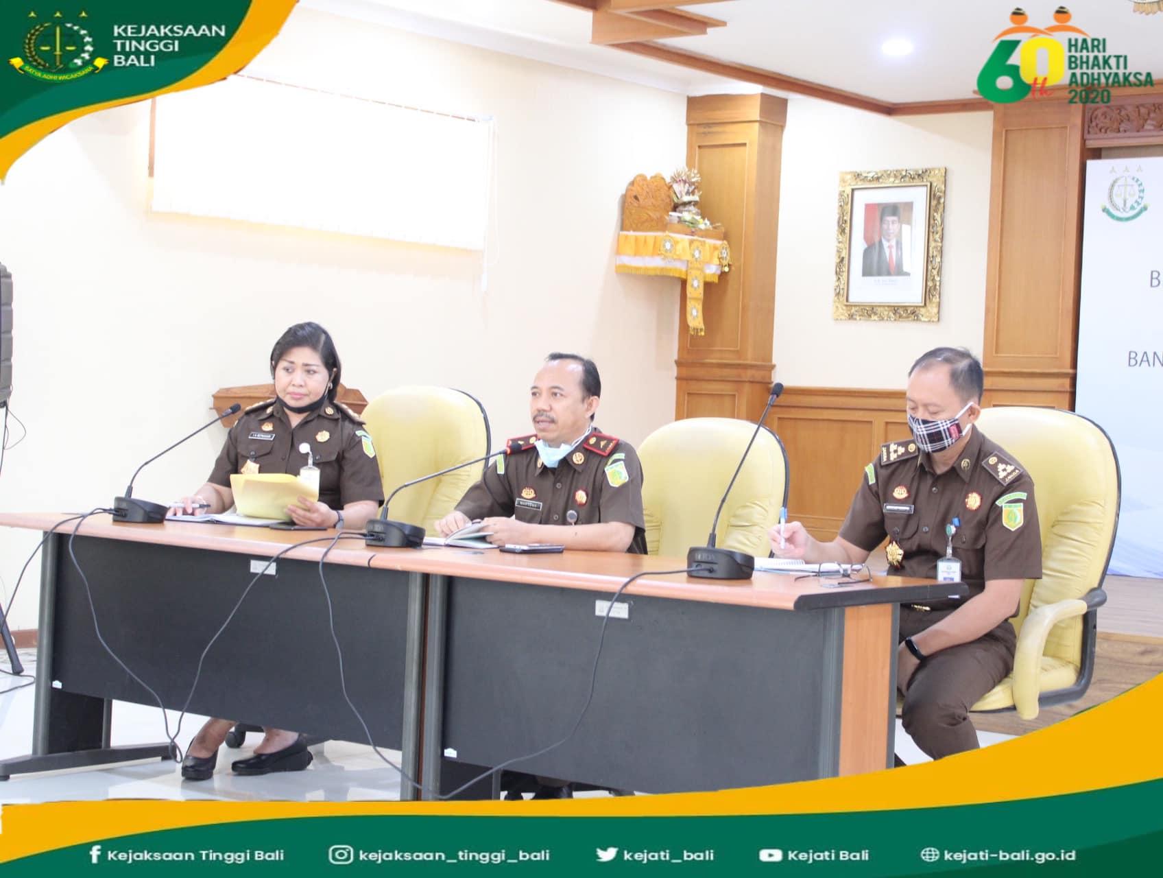 Wakil Kepala Kejaksaan Tinggi Bali memimpin rapat Panitia Peringatan Hari Bhakti Adhyaksa (HBA) Tahun 2020 yang berlangsung di aula Sasana Dharma Adhyaksa Kejati Bali.