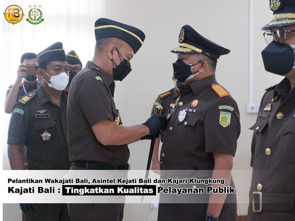 pada hari Kamis, 5 Agustus 2021, bertempat di Aula Sasana Dharma Adhyaksa telah dilaksanakan Pelantikan Jabatan dan Serah Terima Jabatan Wakil Kepala Kejaksaan Tinggi Bali, Asisten Bidang Intelijen Kejati Bali dan Kepala Kejaksaan Negeri Klungkung